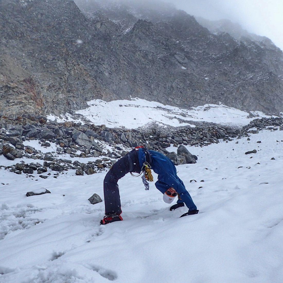 Yoga in de sneeuw en op een gletsjer - wanderlotje