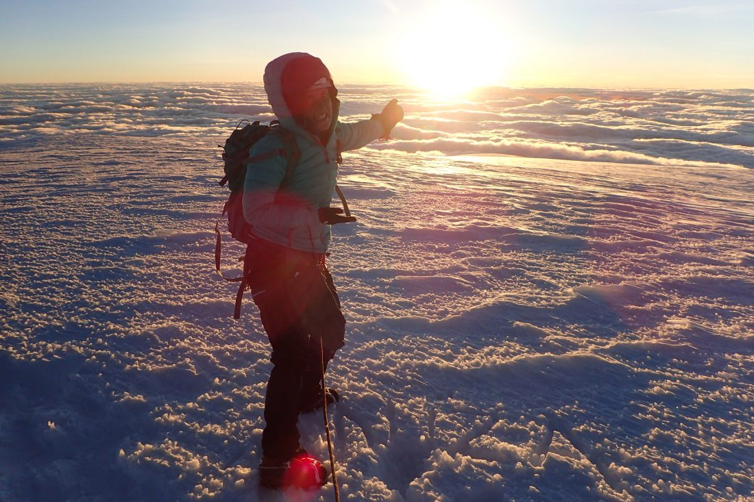 Blij ei - Into the sun - Because it was all worth it! - Whymper top - Chimborazo - Wanderlotje