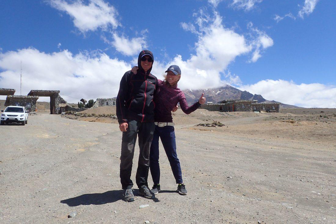Mede mogelijk gemaakt door de meneer op links, Christian die nog wel een keer met deze dwerg naar boven wilde! - Chimborazo - Wanderlotje
